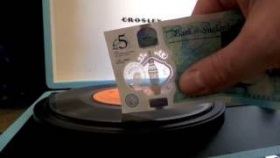 "New Five Pound Note Playing a 7"" Vinyl Single"